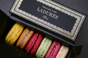 La-Duree-macarons-in-box