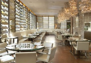 DolceGabbana-Gold-Restaurant-Milan-564x390